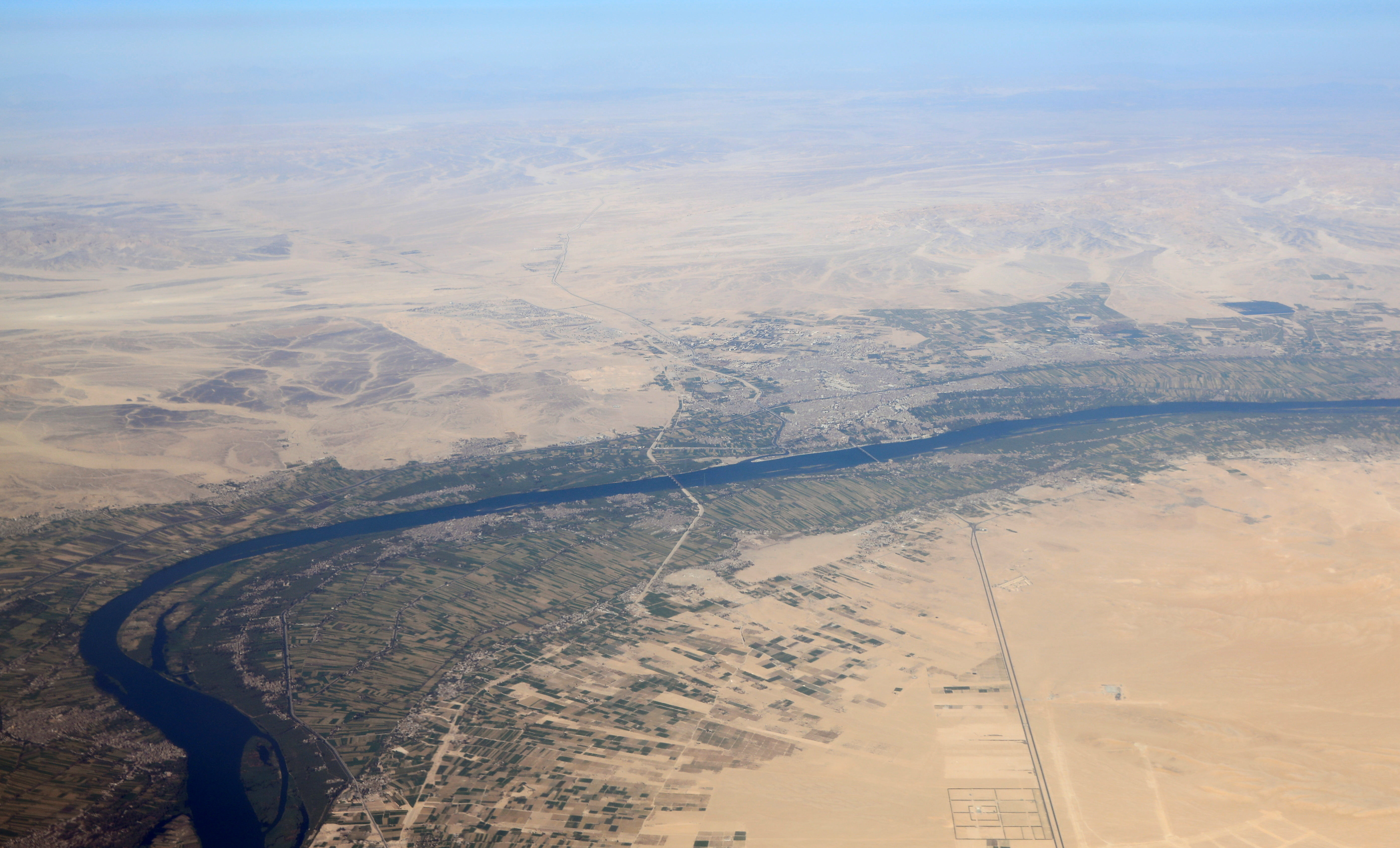this is the river Nile. The Nile basin, which is the area of land from which all the water flows into the Nile River, is currently prone to flooding and needs greater climate resilience