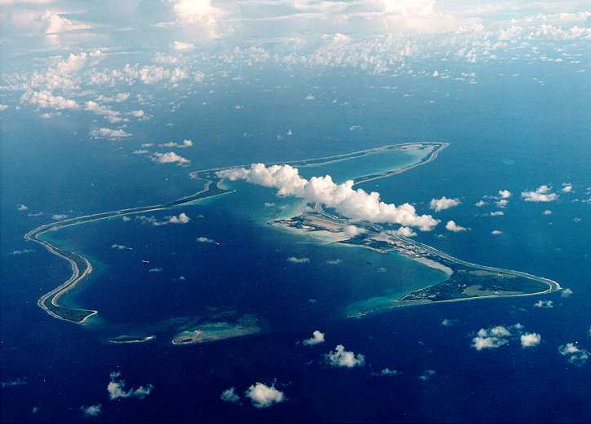 Photo of Diego Garcia, largest island in the Chagos archipelago and site of a major United States military base in the middle of the Indian Ocean leased from Britain in 1966. Exiled inhabitants of Diego Garcia began a challenge July 17 to a British government decision to kick them off the remote island 30 years ago to make way for the U.S. base. Thousands of islanders from the 65-island Chagos archipelago, many of them born in exile in Mauritius, want Britain to return them to their homeland.clh/HO/U.S.CLH/ - RP2DRHZEXIAA