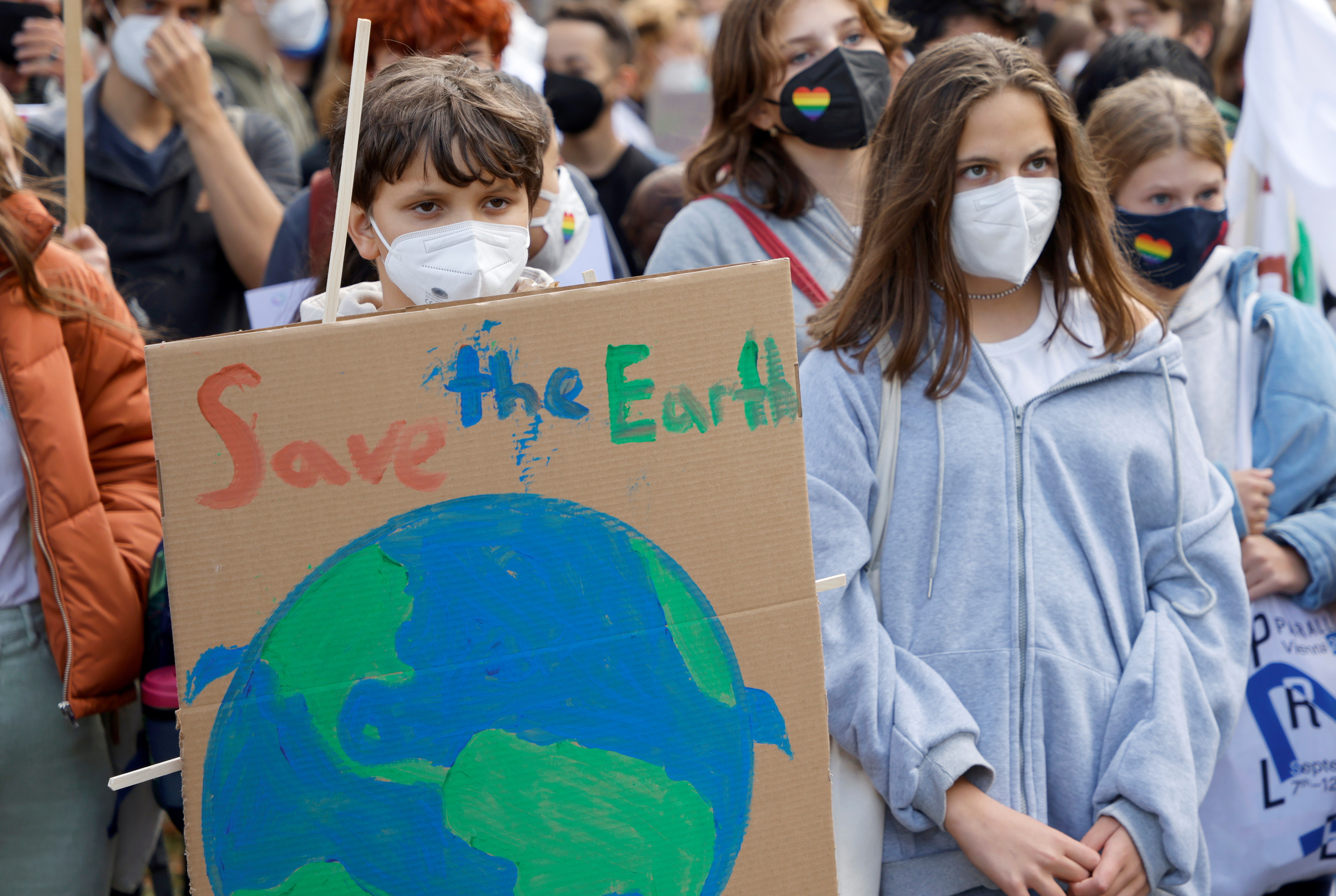 People participate in the Global Climate Strike of the movement Fridays for Future in Vienna, Austria September 24, 2021. REUTERS/Leonhard Foeger - RC2AWP9X32OK