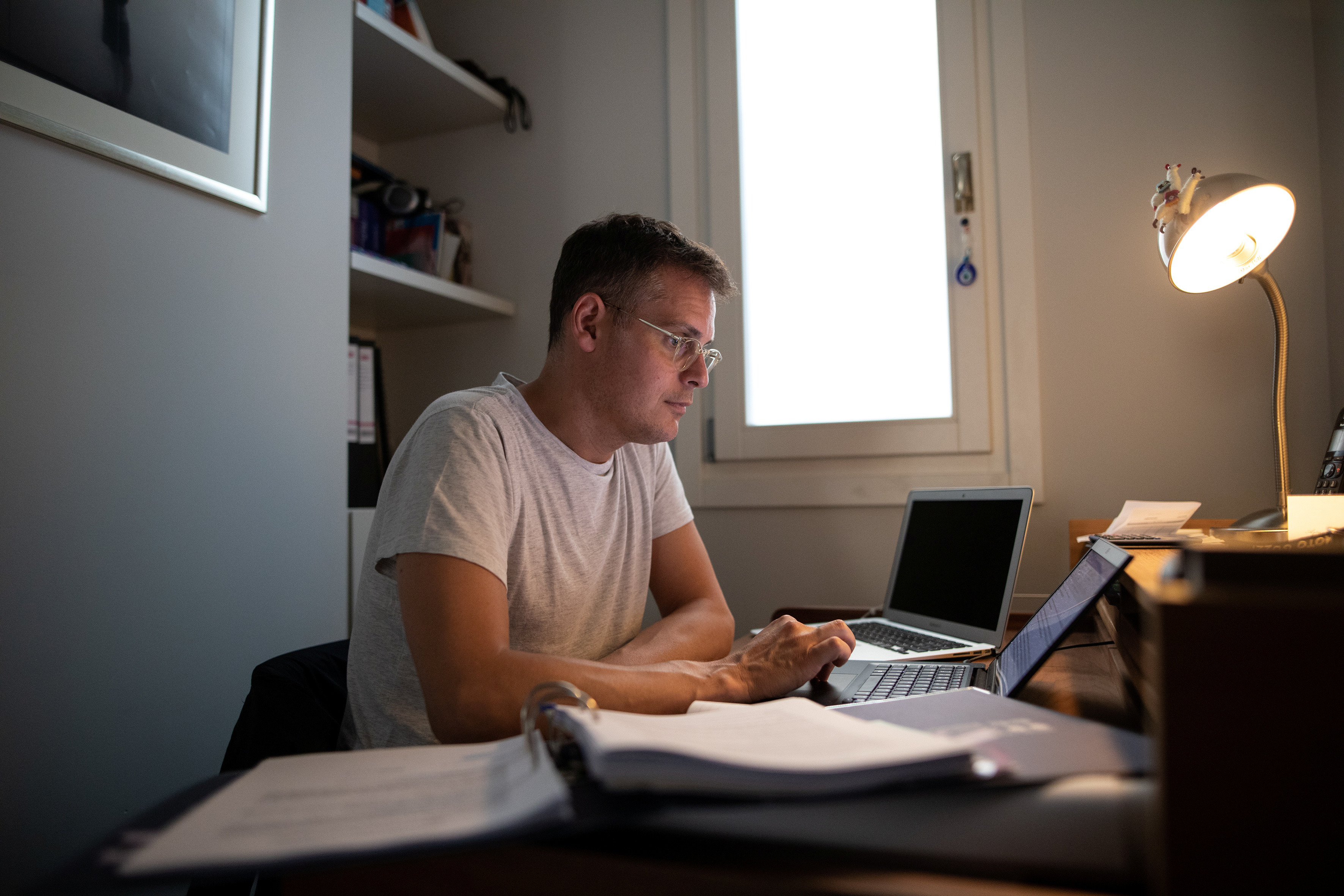 Lawyer Timon Karamanos, 40, works from home, following the coronavirus disease (COVID-19) outbreak, in Athens, Greece, June 24, 2020. Picture taken June 24, 2020. REUTERS/Alkis Konstantinidis - RC22HH94NLHN