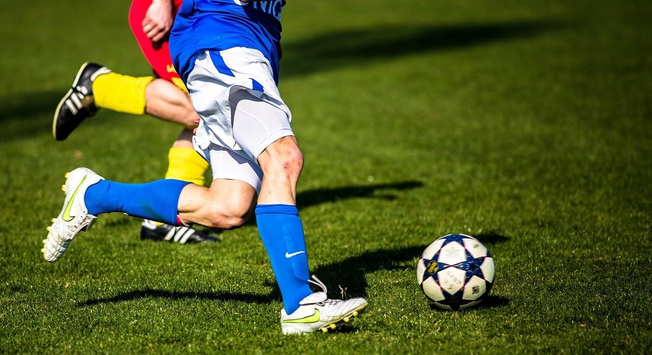 image of footballers