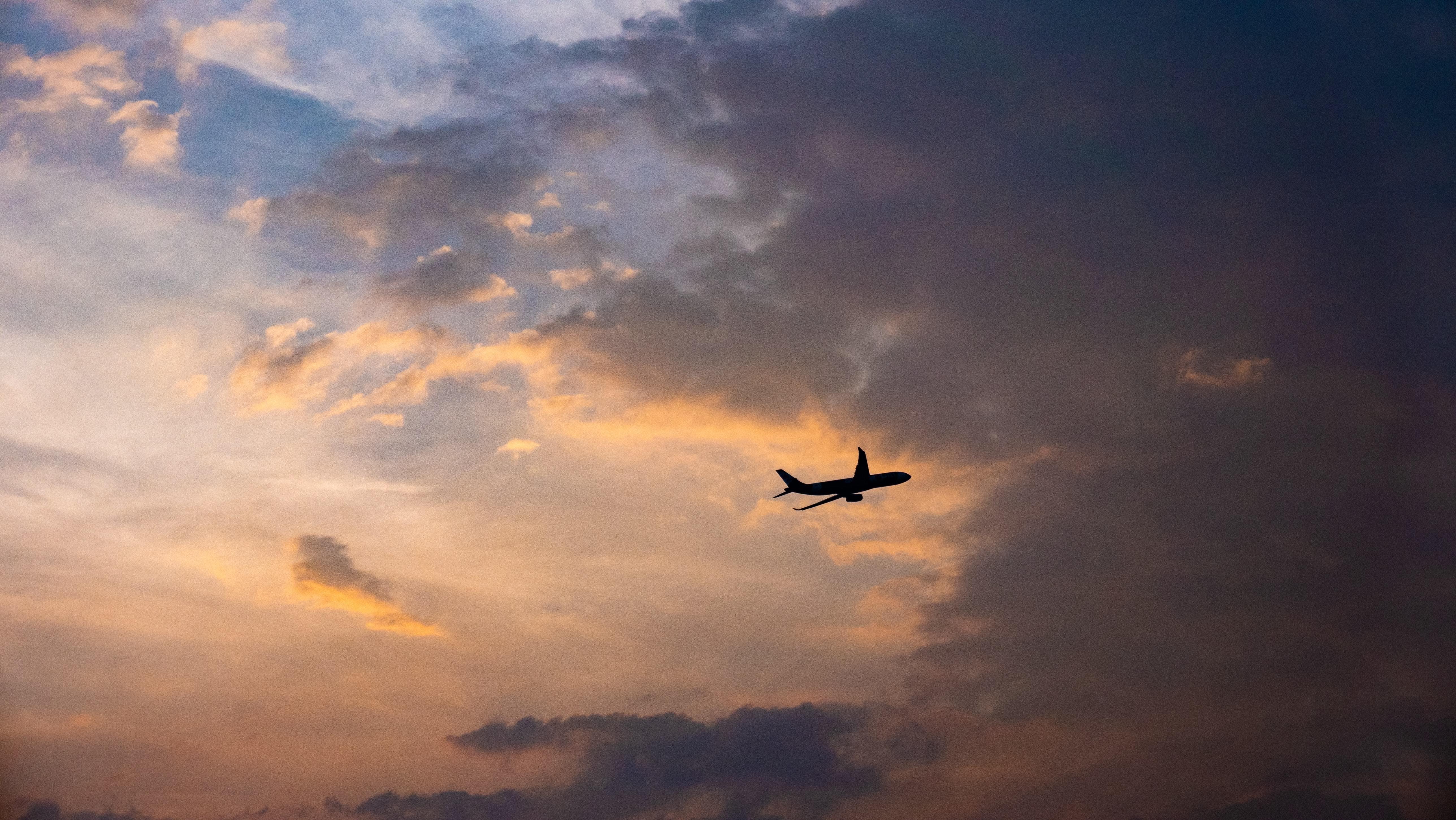 aeroplane flight tourism hydrogen powered engine zero emission sustainable aviation plane innovation technology green zeroavia