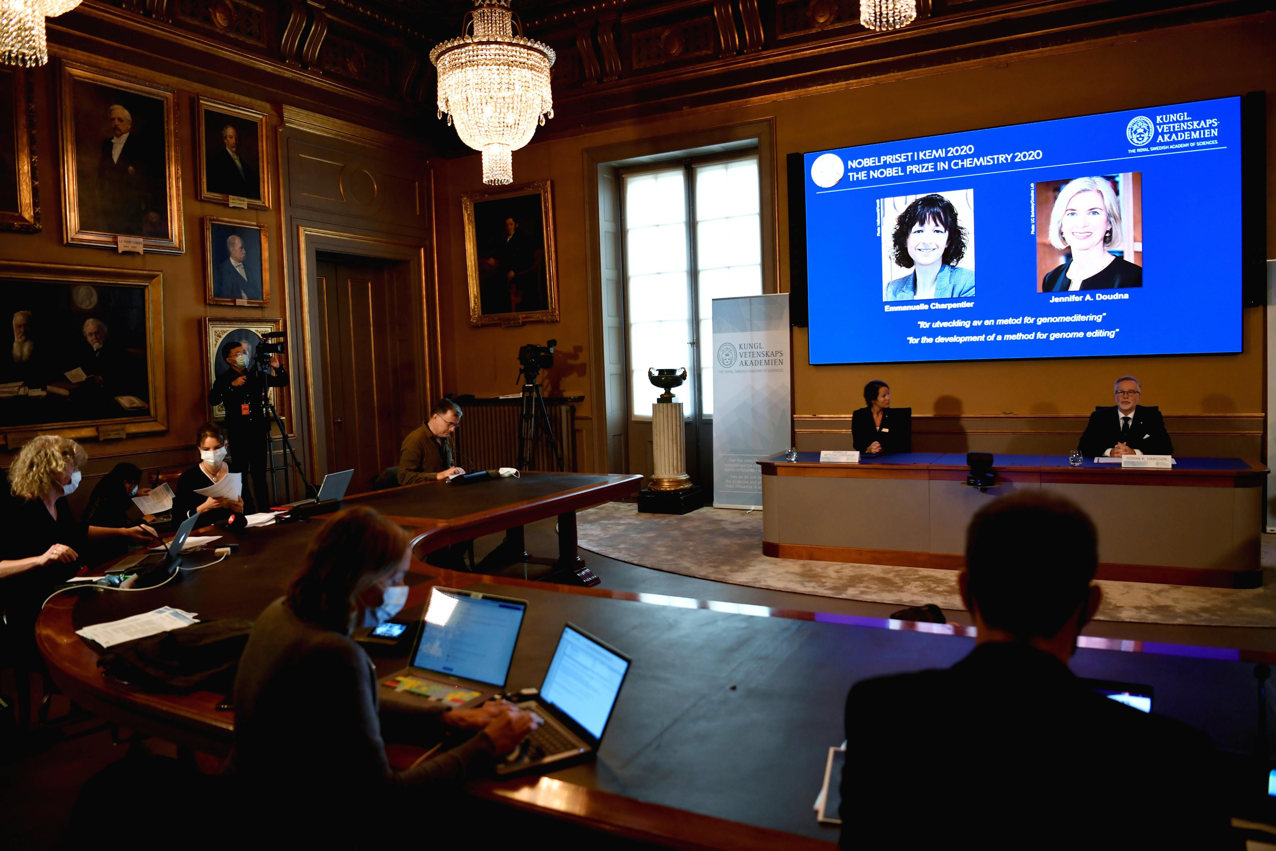French microbiologist nobel prize winners chemistry genetic scissors Emmanuelle Charpentier Jennifer Doudna