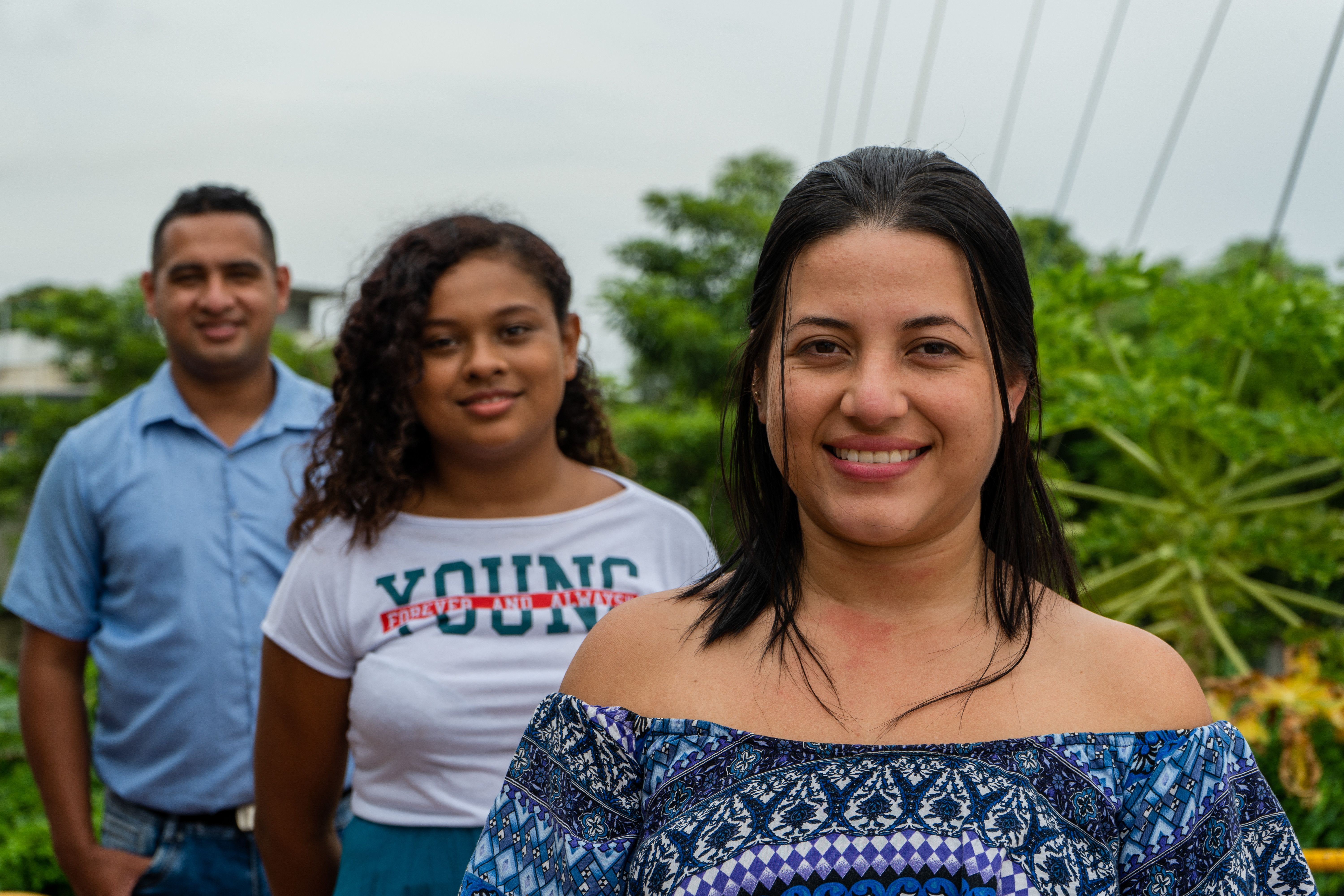 Mori Oyola (left), Magda Oyola (middle) and Wendy Pérez (right) are members of Sensación Estéreo, a community radio based in Malambo, a town located at the state of Atlántico in the north coast of Colombia. Sensación Estéreo has been working officially since 1998 and is one of the oldest and more well-known radio stations of this town.Sensación Estéreo is a community radio linked to the COVID-19 response C4D Strategy in Malambo, in the state of Atlántico located at the north coast of Colombia. This local radio is currently linked to the strategy 'Somos Enlace', carried out by UNICEF Colombia, along with its implementing partner 'La Otra Juventud'.Sensación Estéreo is a community radio located in Malambo, Colombia, in the state of Atlántico at the north coast of the country. This organization was created over 20 years ago, but it got the official license as a community radio in 1998. Malambo has been deeply affected by the Coronavirus, therefore the work made through the network 'Somos Enlace' (meaning in Spanish we are a bond) is even more important in this context. As a part of the COVID-19 response, this Communication for Development strategy seeks that people and communities access life-saving information, increase their perceptions of risk and promote care and protection habits. To UNICEF, it is important that in Colombia, people are aware of the importance of handwashing and that when they leave their homes, they understand why they should wear the mask, among other measures to prevent COVID-19 spreading. 'Somos Enlace' has linked 28 alternative media and community- based organizations throughout 16 states in Colombia, and has been able to reach afro communities, indigenous communities and rural areas of the country. The strategy is being carried out by UNICEF Colombia along with its implementing partner 'La Otra Juventud' since the beginning of the year throughout the whole country. This strategy has been possible thanks