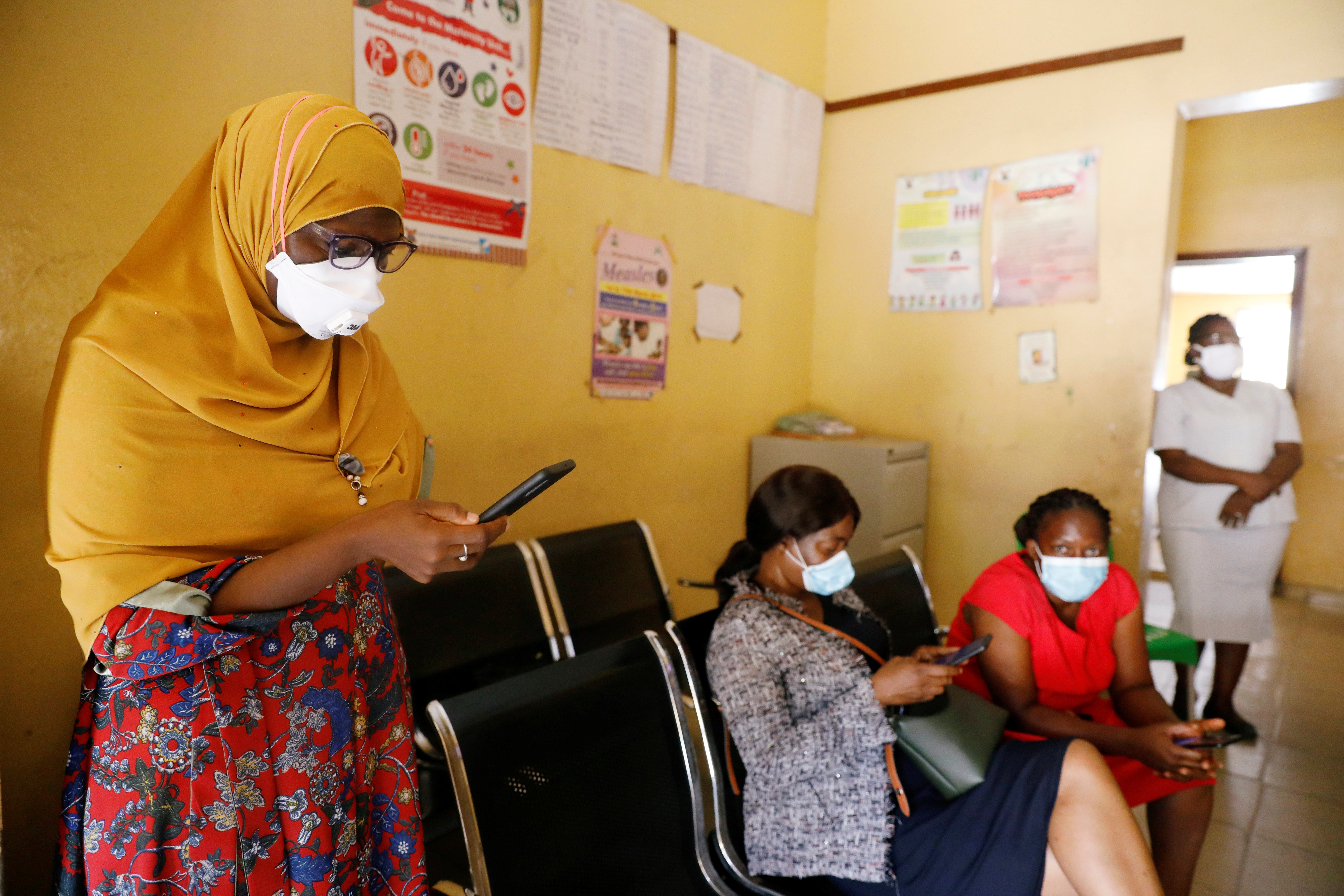 Members of the contact-tracing team are seen at the Primary Healthcare Centre, amid the spread of the coronavirus disease (COVID-19) in Lagos, Nigeria May 7, 2020. Picture taken May 7, 2020. REUTERS/Temilade Adelaja - RC2XSH9QVVAS