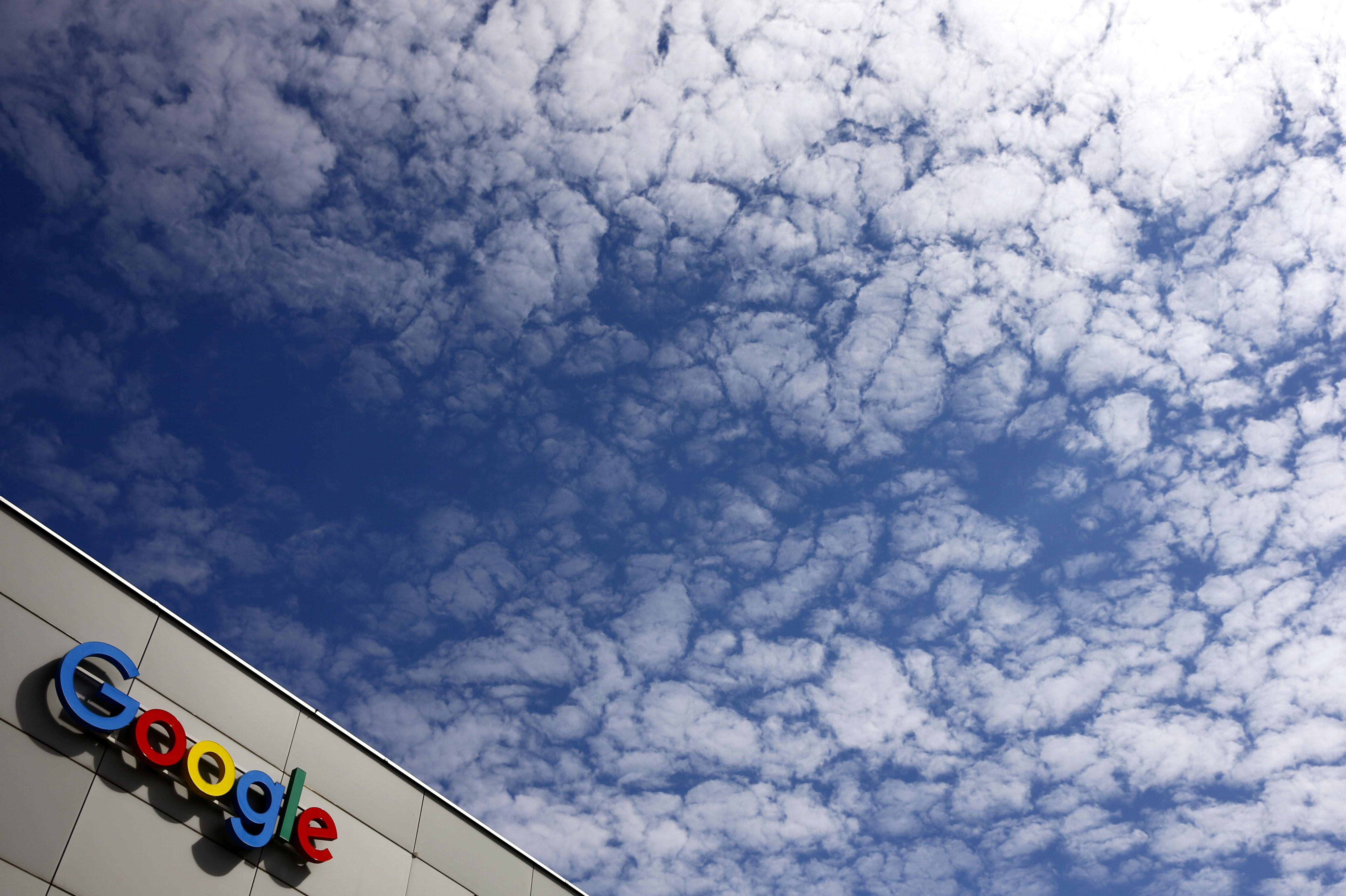 A logo of Google is seen at an office building in Zurich, Switzerland July 1, 2020.   REUTERS/Arnd Wiegmann - RC2AKH9F0TVI