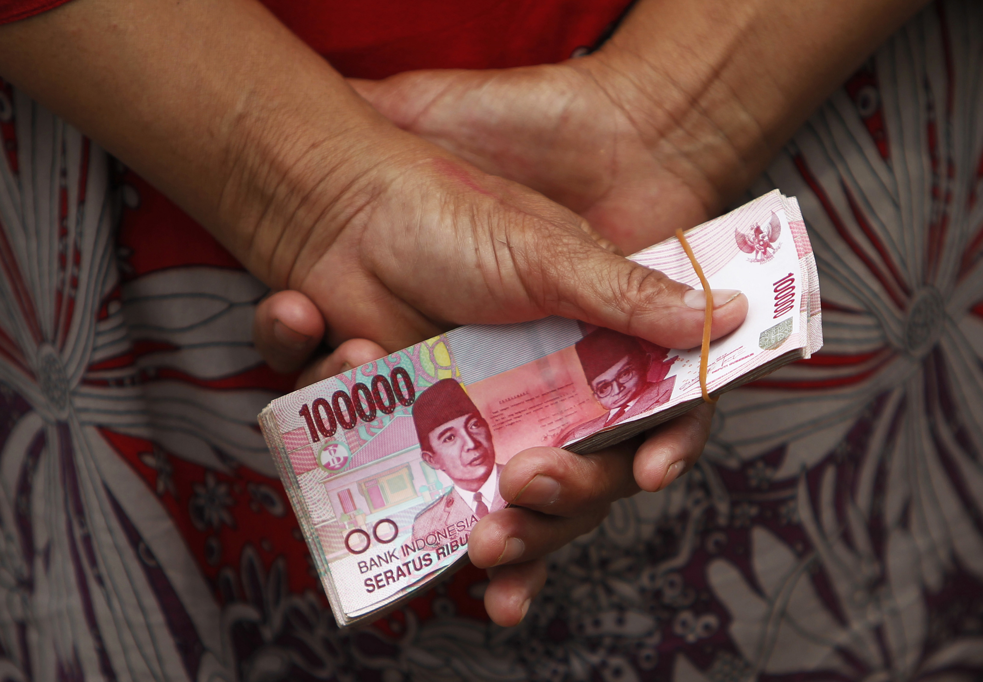 Almost 1 billion women worldwide have no access to financial services.