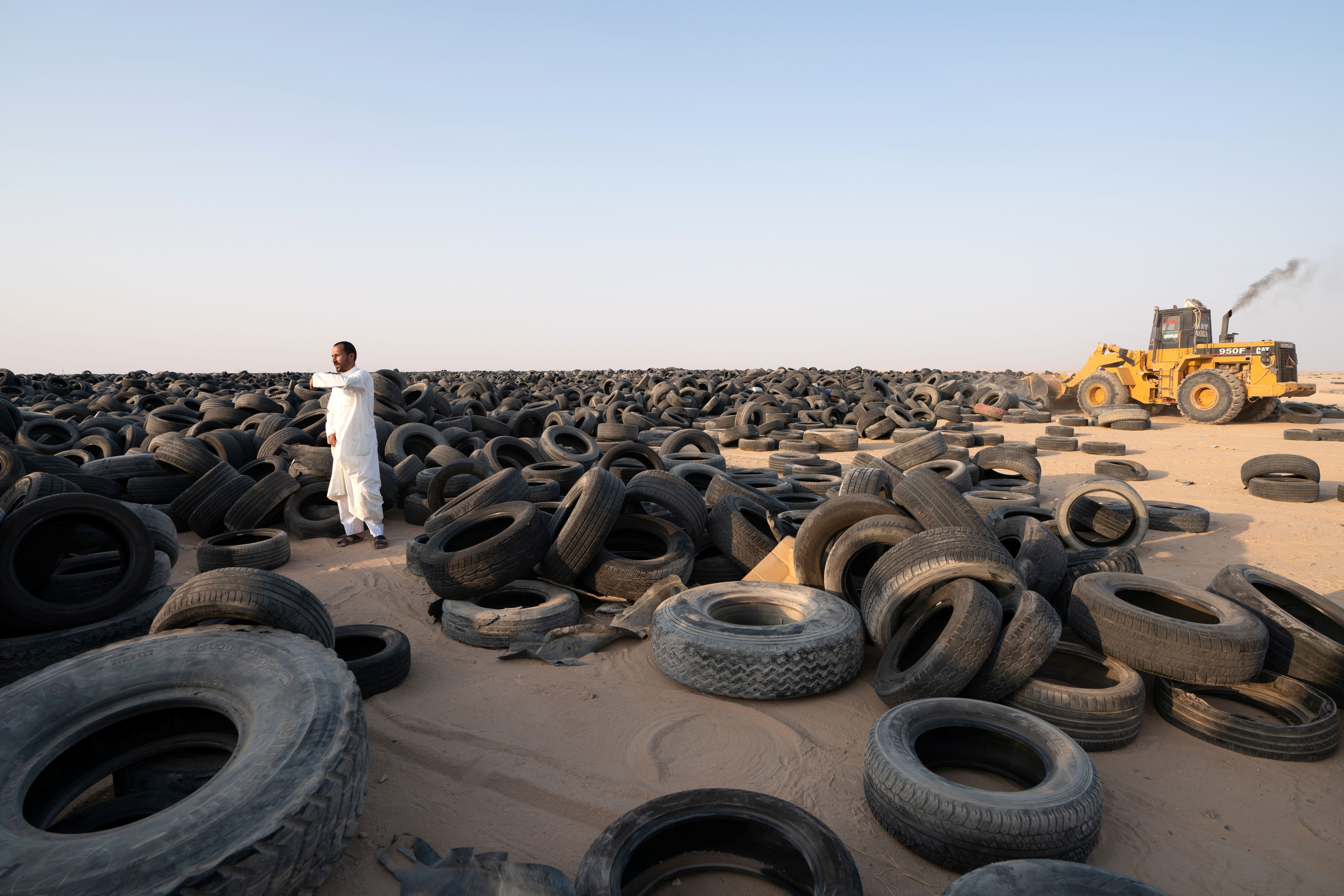 tire-recycling-in-Kuwaits-tire-graveyard-by-EPSCO