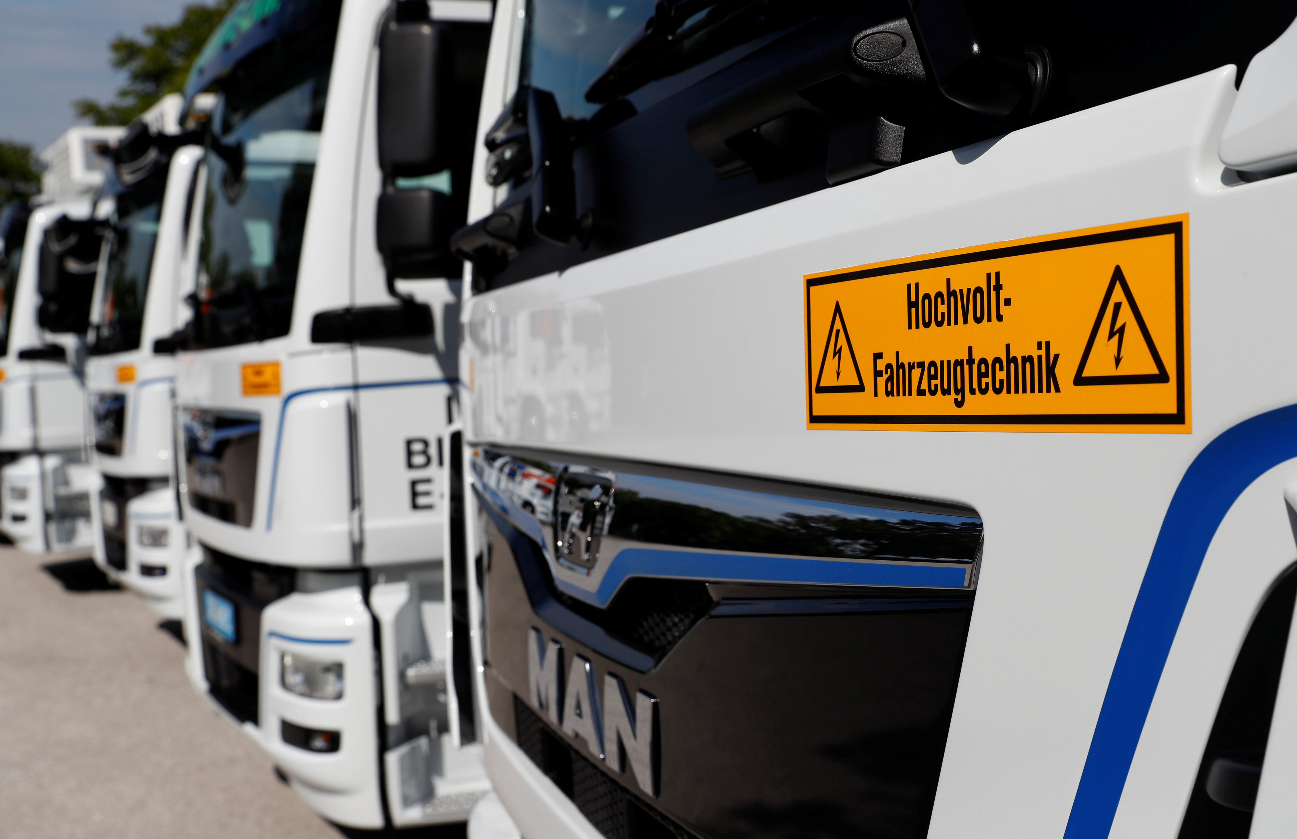 New electric trucks of German truckmaker MAN SE are seen during their presentation near Steyer, Austria September 13, 2018.   REUTERS/Leonhard Foeger - RC1765D0BC20