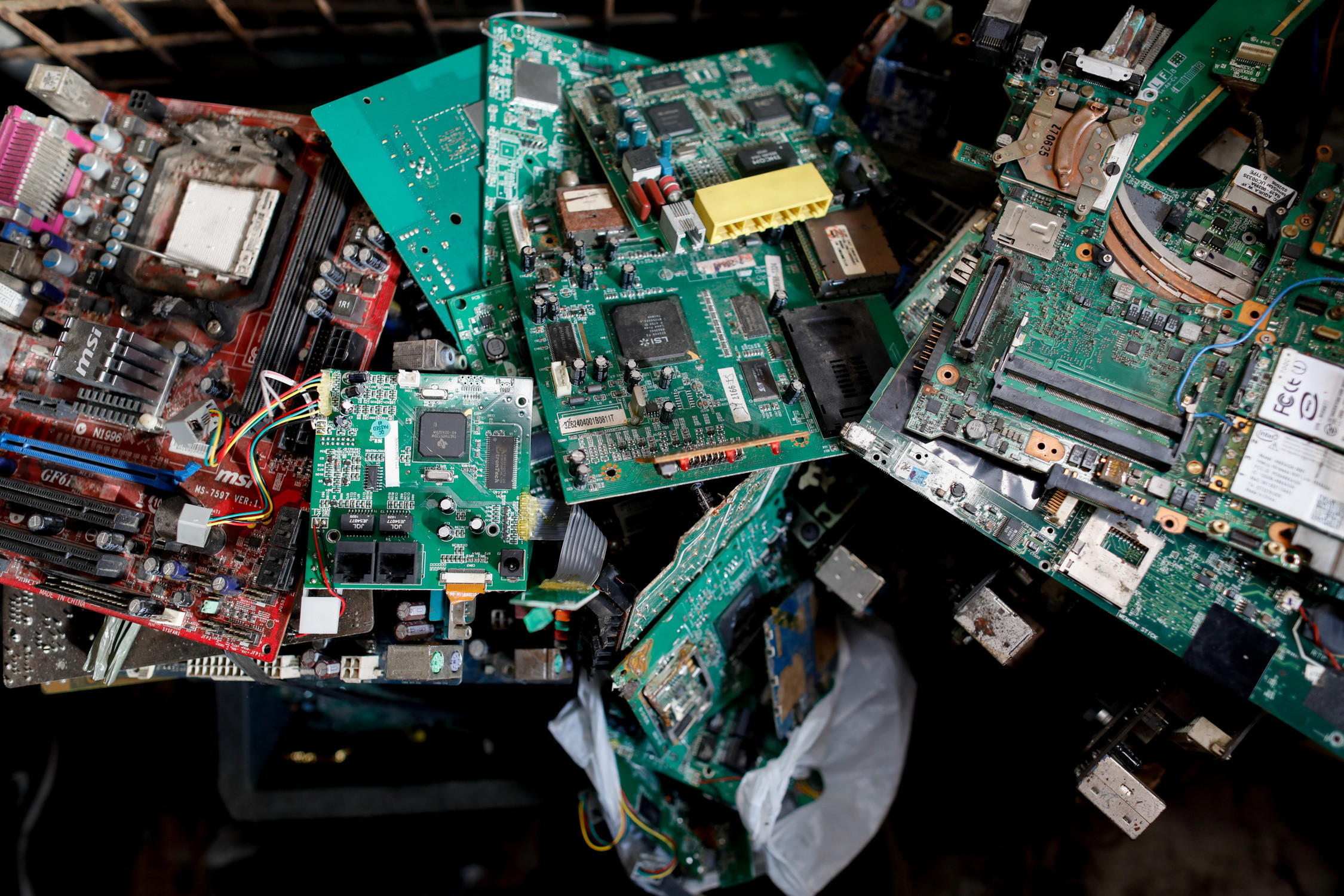 Electronic waste or e-waste from computers is pictured in a junk shop in Makati City, Metro Manila, Philippines, July 2, 2020. REUTERS/Eloisa Lopez - RC2QKH9SLRP2
