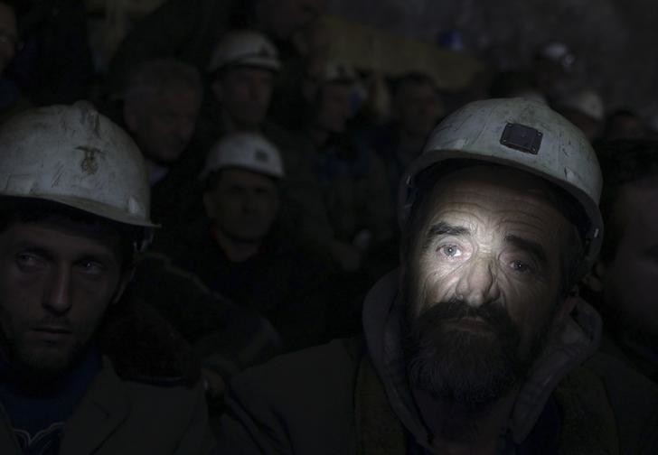 Kosovar miners go on strike in the Trepca mine in north Kosovo January 21, 2015. Hundreds of miners in Kosovo refused to resurface at the end of their shift on Tuesday to protest over a government climbdown on the fate of the mine, which is claimed by the country's former master Serbia. Fearing bankruptcy, Kosovo's new government said last week it would take control of the sprawling Trepca mining complex, but backtracked on Monday following a furious response from Serbia and intense discussions with Western diplomats. REUTERS/Hazir Reka (KOSOVO - Tags: BUSINESS EMPLOYMENT CIVIL UNREST POLITICS TPX IMAGES OF THE DAY)