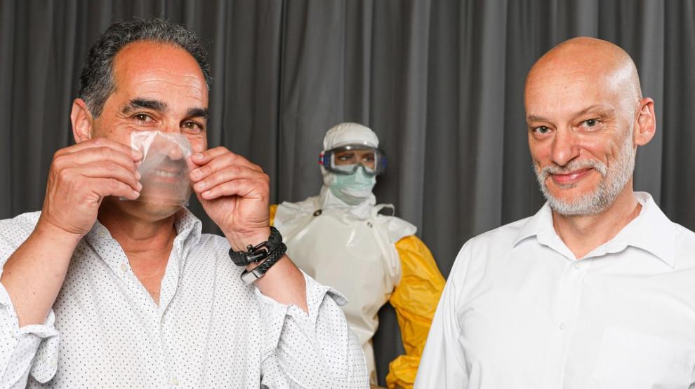 Los investigadores han creado una mascarilla transparente que hace que las interacciones entre los trabajadores de la salud y los pacientes sean más amigables.