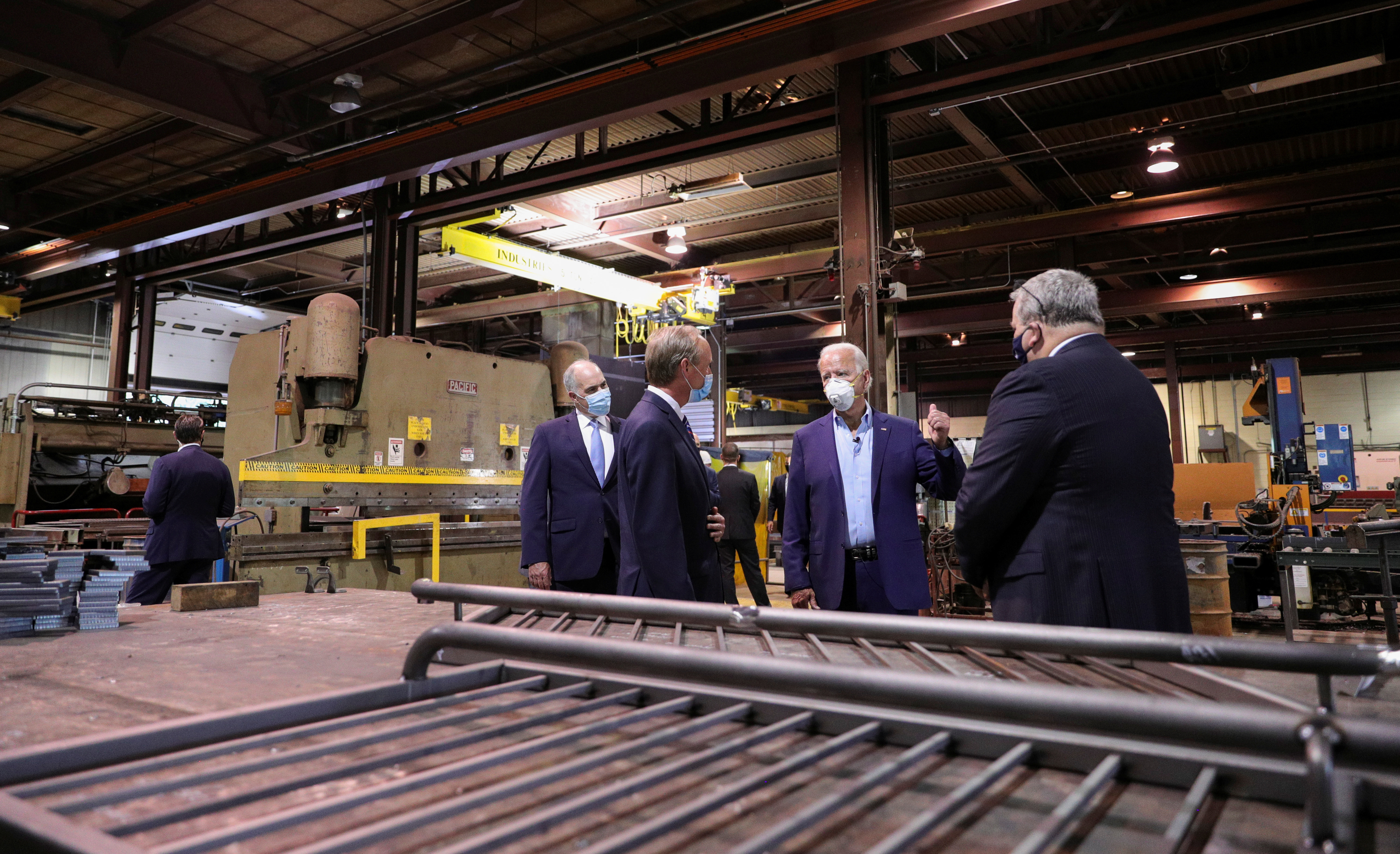 Joe Biden tours a Pennsylvania metal works plant during his electoral campaign in 2020.