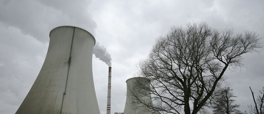 Cooling towers of Czech coal-fired power plant Prunerov II are seen in Prunerov, near the northern Czech town of Chomutov, January 18, 2010. The Federated States of Micronesia -- a chain of more than 600 islands dotting the west Pacific -- is objecting to plans to renovate the lignite-fired power station in Prunerov in the Czech Republic, saying the plant's carbon emissions are a direct threat to the nation's future. Lignite is brown coal, the most polluting and least efficient type, and Micronesia says the Prunerov plant is one of the world's biggest single industrial sources of planet-warming carbon dioxide, the main greenhouse gas.        To match interview CLIMATE-CZECH/MICRONESIA       REUTERS/David W Cerny (CZECH REPUBLIC - Tags: ENERGY ENVIRONMENT BUSINESS POLITICS) - GM1E61I1STJ01