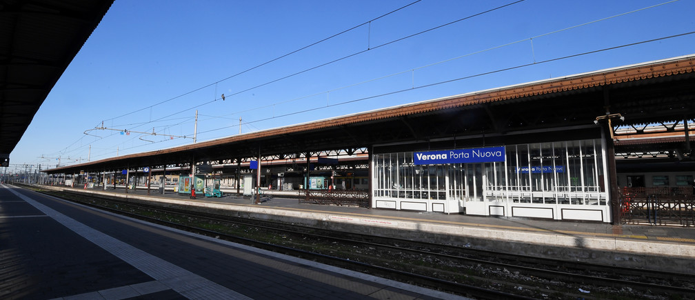 An empty platform is seen after the Italian government imposed a virtual lockdown on the north of the country, in Verona, Italy March 8, 2020. REUTERS/Alberto Lingria - RC2KFF9ST5Q8