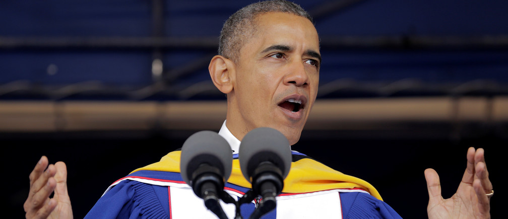 U.S. President Barack Obama delivers the commencement address to the 2016 graduating class of Howard University in Washington, U.S., May 7, 2016.      REUTERS/Joshua Roberts - S1AETCSGBSAA