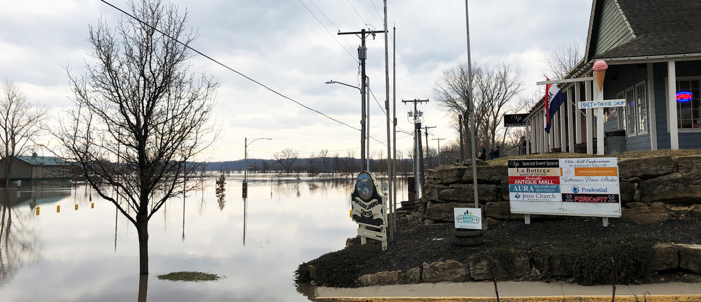 Flood water from Missouri River is seen in downtown Parkville, Missouri, U.S., March 23, 2019. Picture taken on March 23, 2019.   REUTERS/Karen Dillon - RC14143D4090