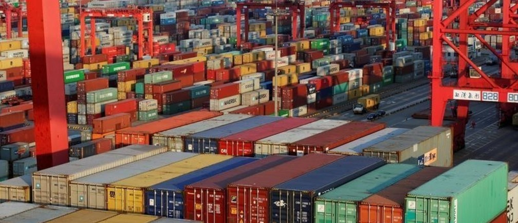 Container boxes are seen at the Yangshan Deep Water Port, part of the Shanghai Free Trade Zone, in Shanghai, China September 24, 2016. Picture taken September 24, 2016. REUTERS/Aly Song/File Photo - S1BEUGQTZKAA