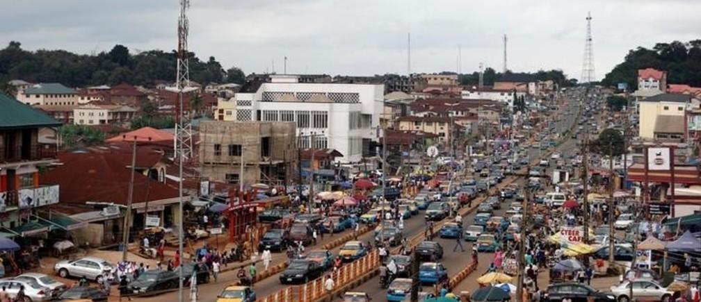 A view of Oba Adesida road in Akure, capital of Ondo state in Nigeria, September 9, 2016. REUTERS/Akintunde Akinleye