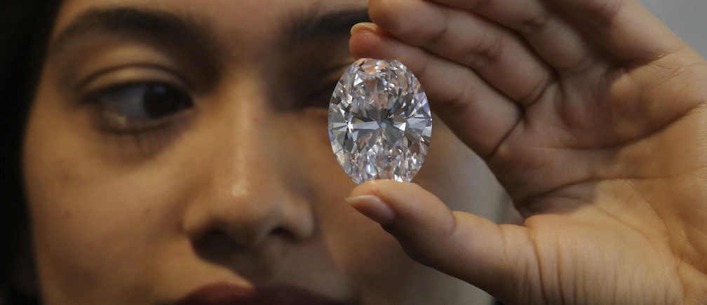 Tracking a diamond's provenance on the blockchain drives full transparency along the supply chain