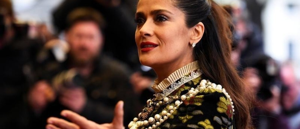 """Actress Salma Hayek arrives for the UK Premiere of """"Tale of Tales"""" at a cinema in London, Britain June 1, 2016. REUTERS/Dylan Martinez - D1BETHLEYRAB"""