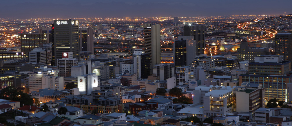 Dusk settles over Cape Town's central business district, November 2, 2009. Cape Town is one of nine South African cities hosting the 2010 Fifa Soccer World Cup.