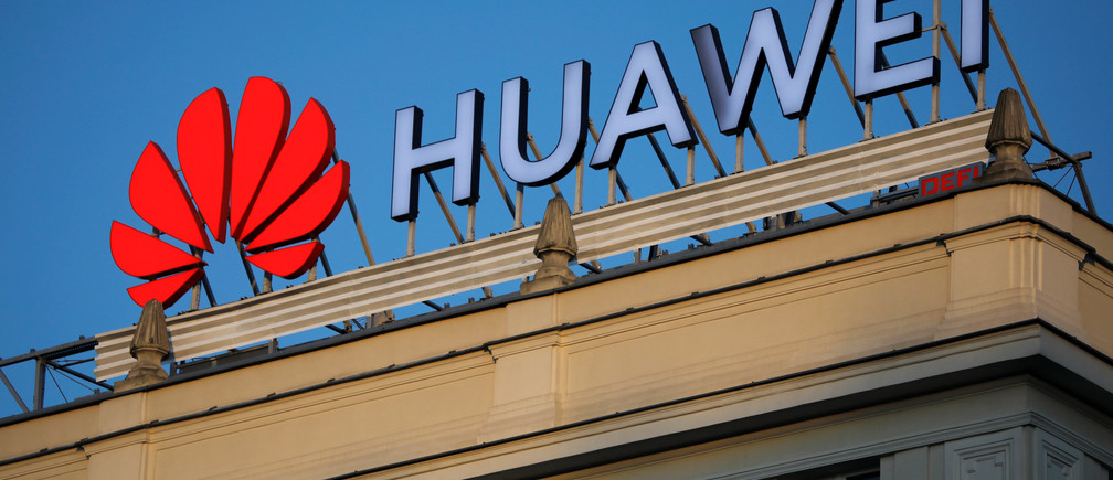 The Huawei logo is pictured in central Warsaw, Poland, June 17, 2019. Picture taken June 17, 2019. To match Special Report HUAWEI-POLAND/SPYING  REUTERS/Kacper Pempel - RC1411658B40