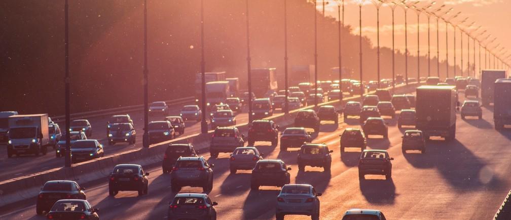 Auto vehicle traffic