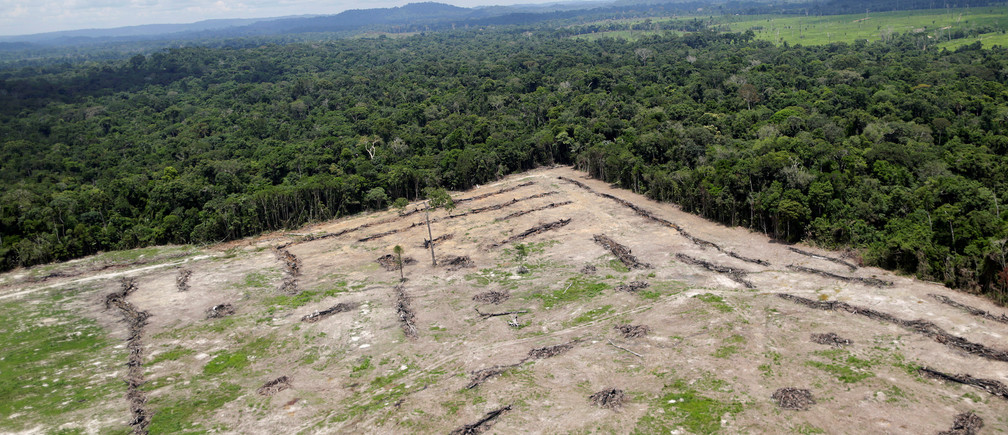 "An aerial view of cleared land is seen during an operation to combat illegal mining and logging conducted by agents of the Brazilian Institute for the Environment and Renewable Natural Resources, or Ibama, supported by military police, in the municipality of Novo Progresso, Para State, northern Brazil, November 11, 2016. REUTERS/Ueslei Marcelino           SEARCH ""AMAZON GUARDIANS"" FOR THIS STORY. SEARCH ""WIDER IMAGE"" FOR ALL STORIES. - RC15AF723F80"