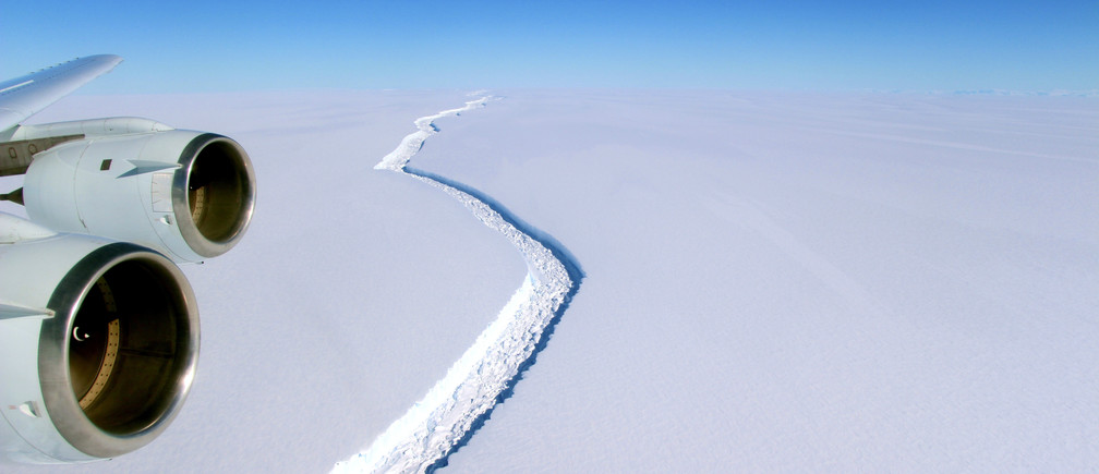 A rift across the Larsen C Ice Shelf that had grown longer and deeper is seen during an airborne surveys of changes in polar ice over the Antarctic Peninsula from NASA's DC-8 research aircraft on November 10, 2016.   Coutesy NASA/Handout via REUTERS     ATTENTION EDITORS - THIS IMAGE WAS PROVIDED BY A THIRD PARTY. EDITORIAL USE ONLY. - RC1899FD8A00