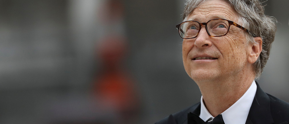Bill Gates, Co-Chair of Bill & Melinda Gates Foundation arrives to attend the Commonwealth Business Forum Banquet at the Guildhall in London, Britain April 17, 2018. REUTERS/Simon Dawson - RC18ADB04000