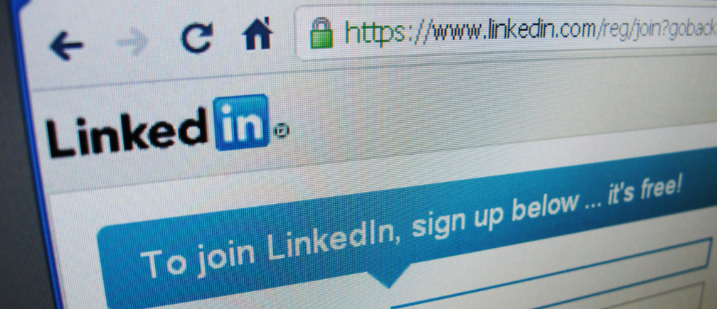 The sign up page of Linkedin.com is seen in Singapore, May 20, 2011. LinkedIn Corp's shares more than doubled in their public trading debut on Thursday, evoking memories of the investor love affair with Internet stocks during the dot-com boom of the late 1990s. REUTERS/David Loh  (SINGAPORE - Tags: BUSINESS) - RTR2MMOD