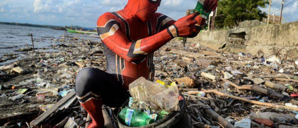 spiderman plastic waste pollution ocean seas micro macro indonesia super hero inspire national clean up comic rivers public service single use plastics
