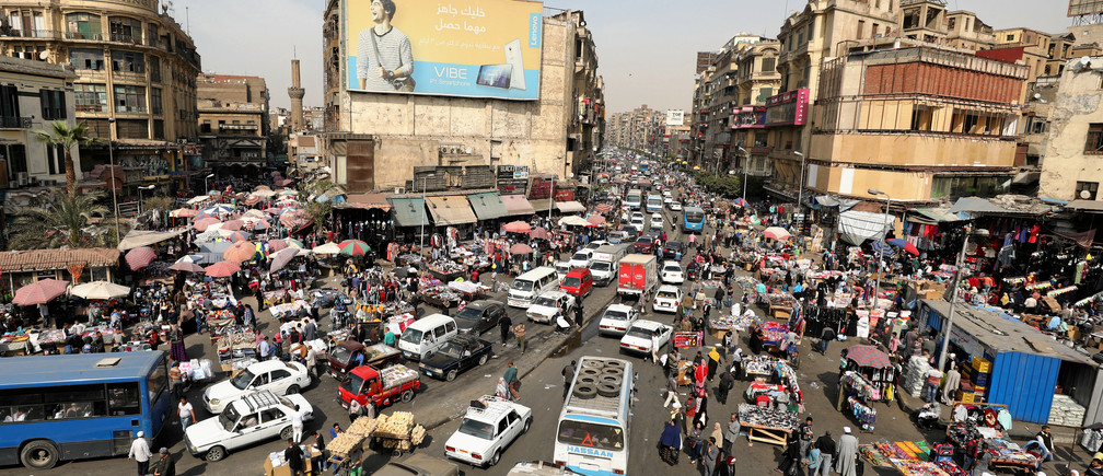 A general view of a street in downtown Cairo, Egypt March 9, 2017. Picture taken March 9, 2017. REUTERS/Mohamed Abd El Ghany - RTX30OAU