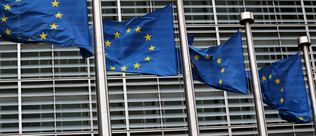 European Union flags fly outside the European Commission headquarters in Brussels, Belgium, March 6, 2019. REUTERS/Yves Herman - RC1FA9B117A0