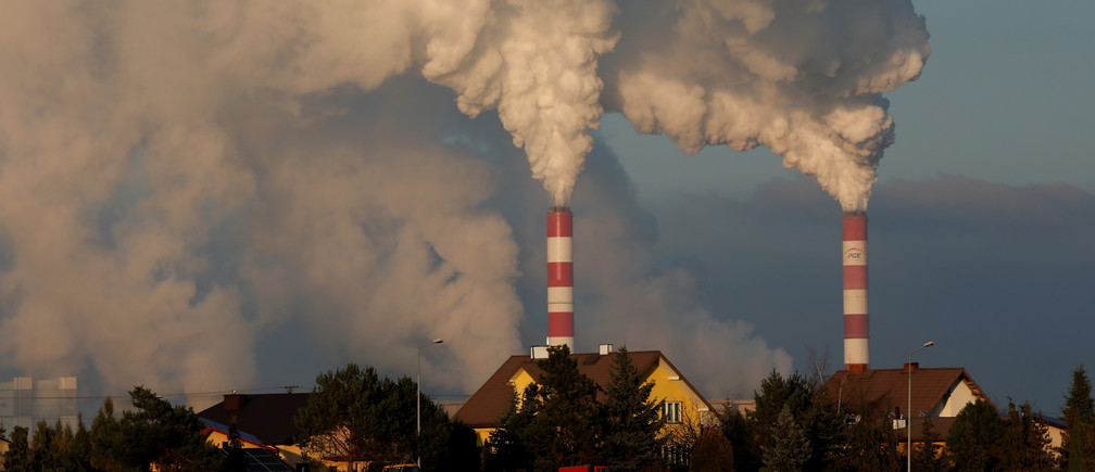 Smoke and steam billows from Belchatow Power Station, Europe's largest coal-fired power plant operated by PGE Group, near Belchatow, Poland November 28, 2018. Picture taken November 28, 2018. REUTERS/Kacper Pempel - RC138ABBA340