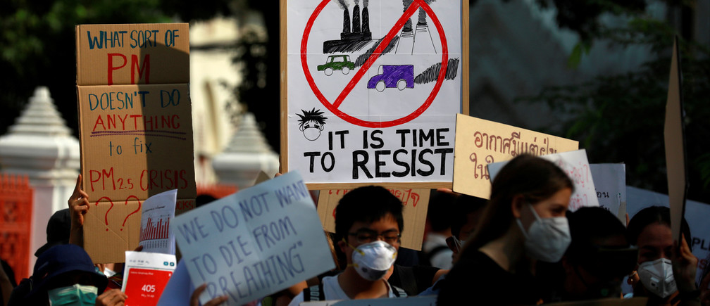 Environmental activists rally to demand rights to clean air, near the Thai Government House in Bangkok, Thailand, as the country struggles to contain worsening air pollution January 23, 2020. REUTERS/Soe Zeya Tun - RC2GLE9WQDW6