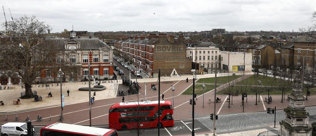 Buses move past Windrush Square in the Brixton district of London, Britain April 16, 2018. REUTERS/Simon Dawson - RC1101C122B0