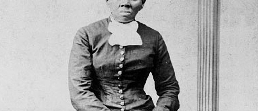 Anti-slavery crusader Harriet Tubman is seen in a picture from the Library of Congress taken photographer H.B. Lindsley between 1860 and 1870.  The U.S. Treasury has decided to replace former President Andrew Jackson with Tubman on the U.S. $20 bill, and will put leaders of the women's suffrage movement on the back of $10 bill, Politico reported on Wednesday.  REUTERS/Library of Congress/Handout via Reuters   FOR EDITORIAL USE ONLY. NOT FOR SALE FOR MARKETING OR ADVERTISING CAMPAIGNS - TM3EC4K102D01