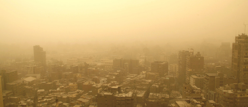 Cairo is seen during a sandstorm, in this general view taken February 11, 2015. REUTERS/Asmaa Waguih  (EGYPT - Tags: ENVIRONMENT CITYSCAPE TPX IMAGES OF THE DAY) - GM1EB2B1AXC01