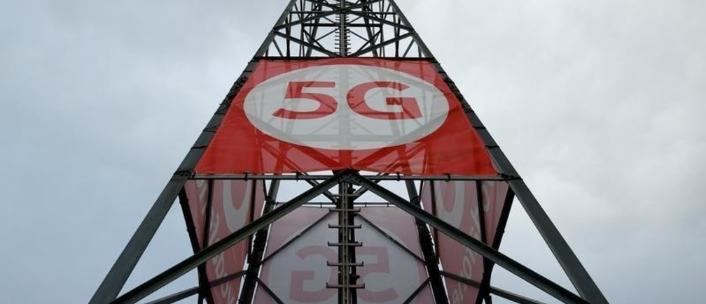 A mobile phone mast with 5G technology is pictured at the 5G Mobility Lab of telecommunications company Vodafone in Aldenhoven, Germany, November 27, 2018. Picture taken November 27, 2018. REUTERS/Thilo Schmuelgen - RC153263C770