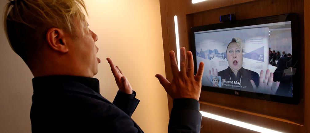 La tecnología Deepfake se exhibe en Davos este año