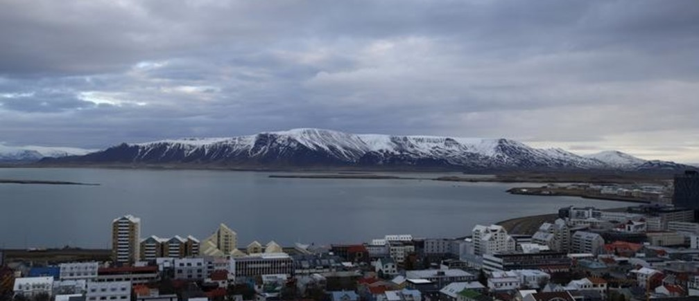 A general view shows the city of Reykjavik seen from Hallgrimskirkja church February 13, 2013.           REUTERS/Stoyan Nenov (ICELAND - Tags: TRAVEL CITYSCAPE)