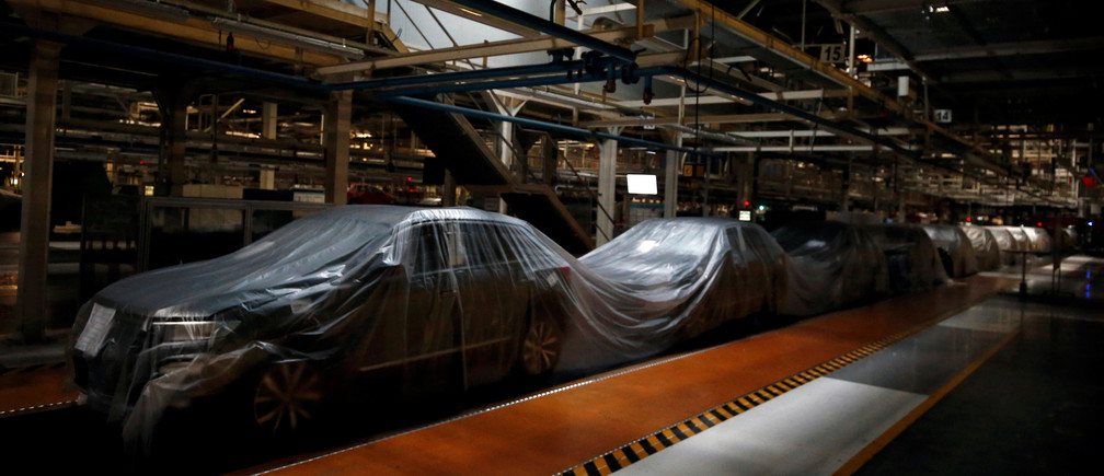 An empty assembly line is pictured at Autoeuropa Volkswagen car factory during partial lockdown as part of state of emergency to combat the coronavirus disease (COVID-19) outbreak in Lisbon, Portugal March 30, 2020.  REUTERS/Rafael Marchante - RC2IUF9CF91W