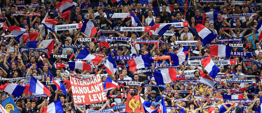 Soccer Football - UEFA Nations League - League A - Group 1 - France v Netherlands - Stade de France, Saint-Denis, France - September 9, 2018  France fans  REUTERS/Gonzalo Fuentes