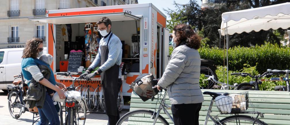 París está animando a sus ciudadanos a que vayan más en bicicleta.