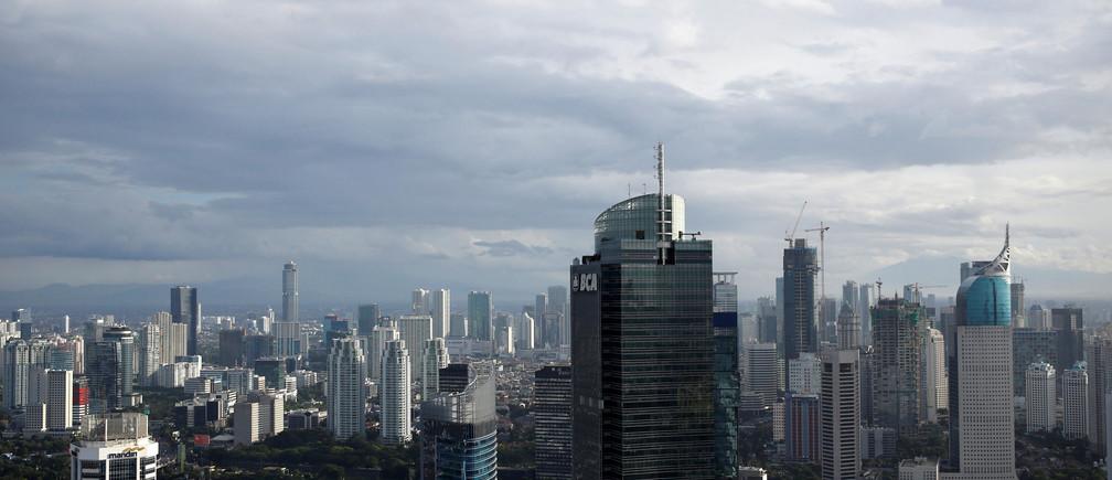 A view of Jakarta, Indonesia December 20, 2016. Picture taken December 20, 2016. REUTERS/Darren Whiteside - RC1CC872D350