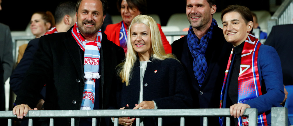 Soccer Football - Euro 2020 Qualifier - Group B - Luxembourg v Serbia - Stade Josy Barthel, Luxembourg City, Luxembourg - September 10, 2019  The Prime Minister of Luxembourg Xavier Bettel and the Prime Minister of Serbia Ana Brnabic inside the stadium before the match     REUTERS/Francois Lenoir - RC117B3BCA60