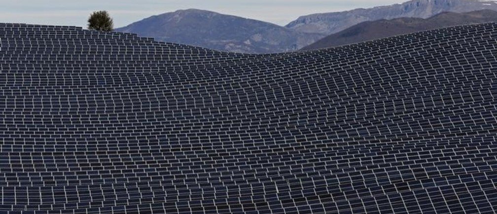 A general view shows solar panels to produce renewable energy at the photovoltaic park in Les Mees, in the department of Alpes-de-Haute-Provence, southern France March 31, 2015. The solar farm of the Colle des Mees, the biggest in France, consists of 112,780 solar modules covering an area of 200 hectares of land and representing 100 MW of power.    REUTERS/Jean-Paul Pelissier  TPX IMAGES OF THE DAY