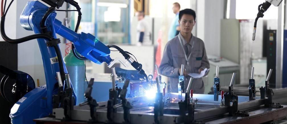 从外流到共情,一份新报告指出科技通过4种方式影响我们的工作。
